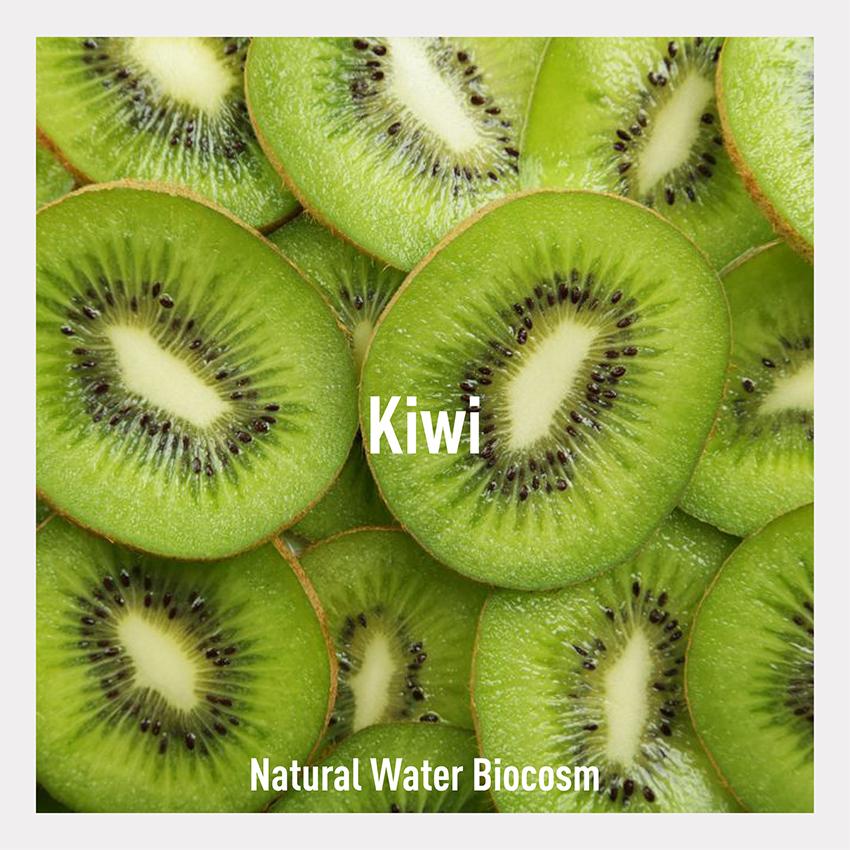 Kiwi water. Le acque cosmetiche di Biocosm: iperleggere e amiche della pelle. acqua unicellulare derivante da ultrafiltrazione di succo di kiwi 100% bio.